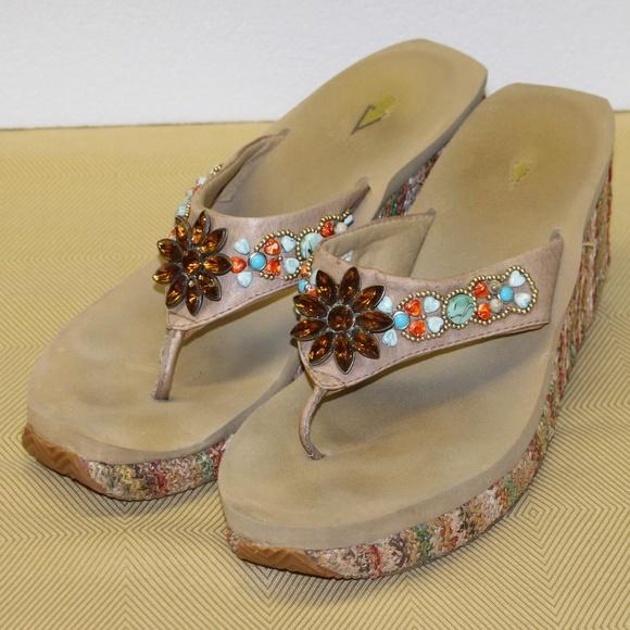 f4ebf6aa9 Volatile Shoes - GUC LADIES VOLATILE FLIP FLOP WEDGES SIZE 10